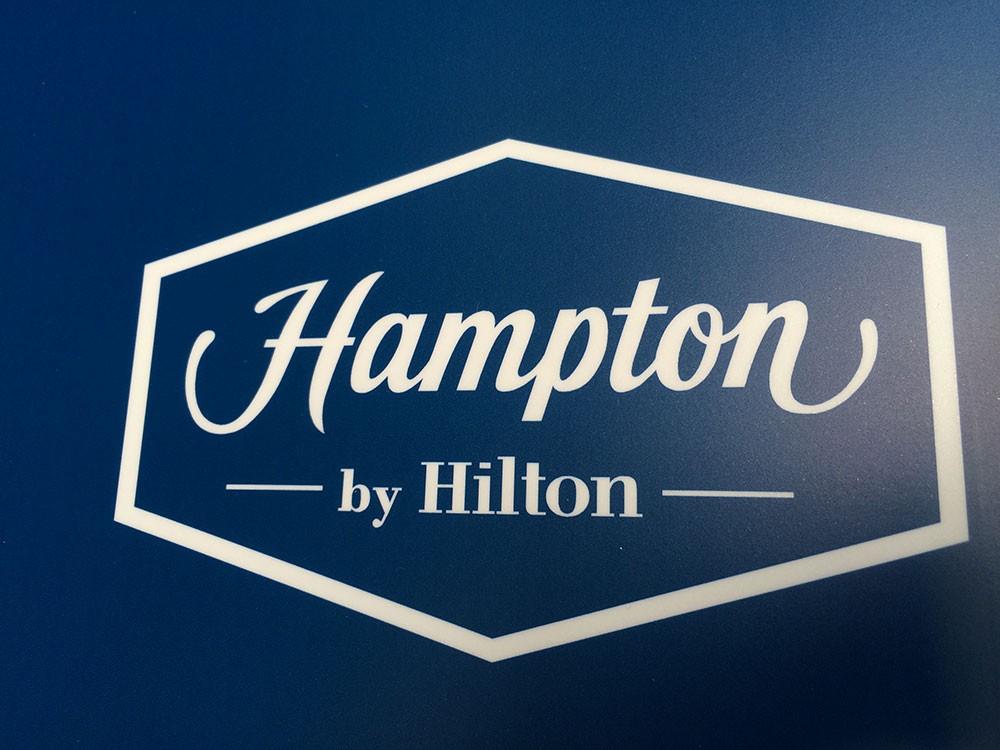 Bewegwijzering Hilton Hampton 9