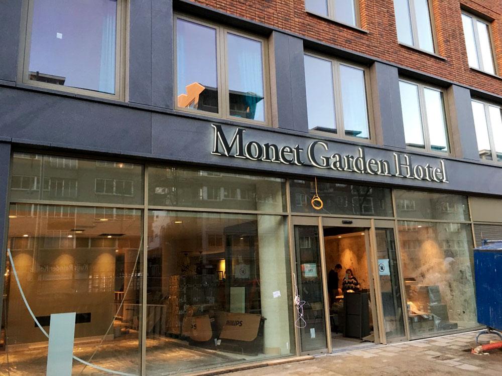 Monet Garden Gevel Letters