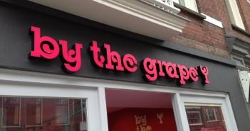 By the Grape Een nieuwe gevelreclame voor wijnhuis By the Grape april 2013 091 351x185