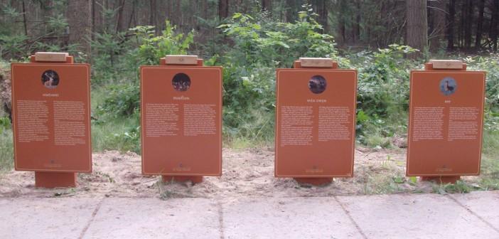 bewegwijzering de hoge veluwe Bewegwijzering Nationaal Park De Hoge Veluwe reclamezuilen hoge veluwe 700x335px 702x336