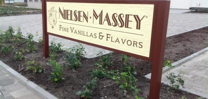 woodsign Amerikaanse woodsign (reclame van hout) voor Nielsen-Massey Fine Vanillas & Flavors foto2 medium 702x336