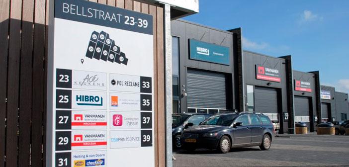 Verzamel zuil Bellstraat bedrijfsverzamelgebouw Bewegwijzering en reclamepanelen voor Bedrijfsverzamelgebouwen bellstraat header