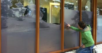 glasfolie Rustgevende sfeer voor Gezondheidscentrum Lunteren met full colours en glasfolie zorgpraktijk lunteren glasfolie 03 351x185